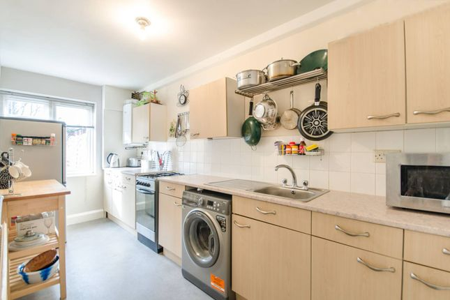 Thumbnail Maisonette to rent in Neal Close, Northwood