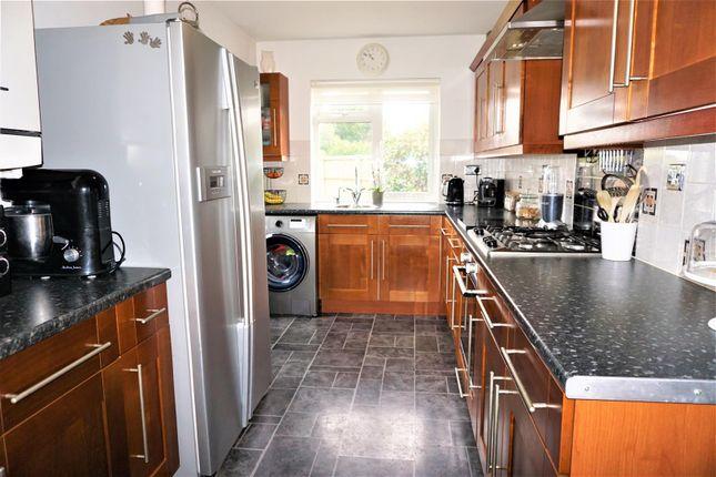 Kitchen of Lyndhurst Avenue, Ipswich IP4