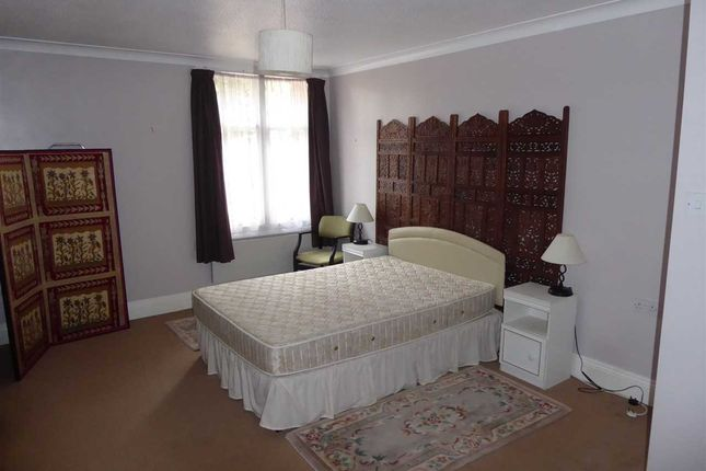 Bedroom of Windsor Court, Tilehurst Road, Reading RG1