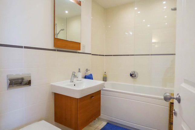 Bathroom of Herschel Place, Central Bath BA2