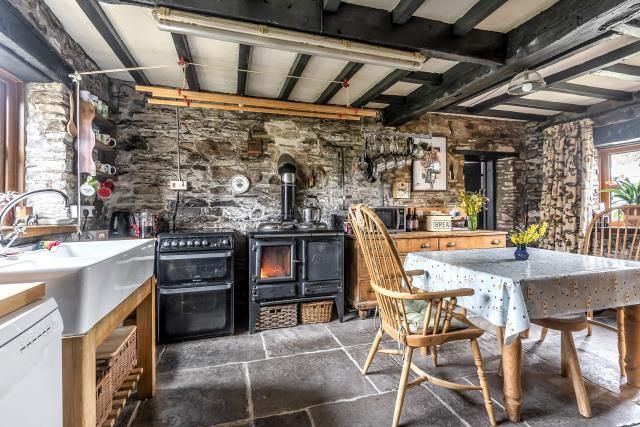 Very Cosy Kitchen/Dining Room