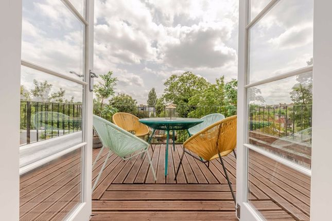 Thumbnail Flat for sale in Fontenoy Road, London