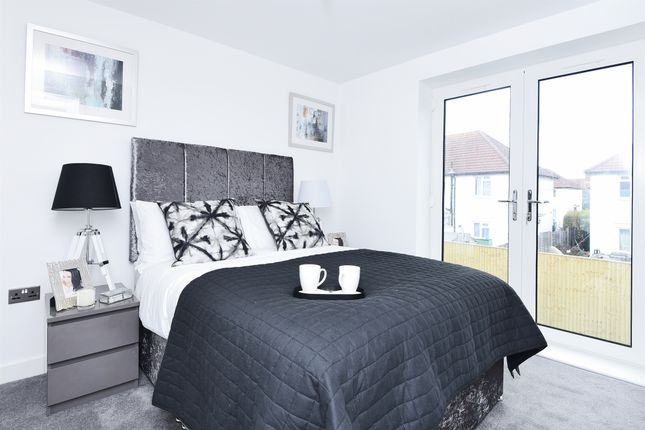 Thumbnail Town house for sale in Meopham Road, Mitcham