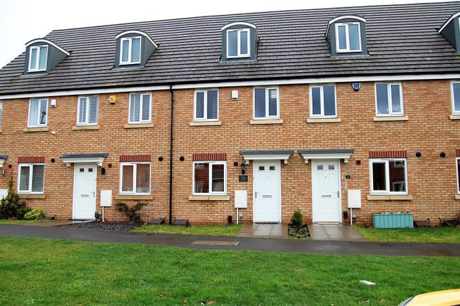 Thumbnail Town house for sale in Great Western Way, Kingswinford