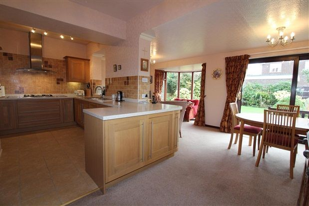 Thumbnail Property for sale in Fleetwood Road, Poulton Le Fylde