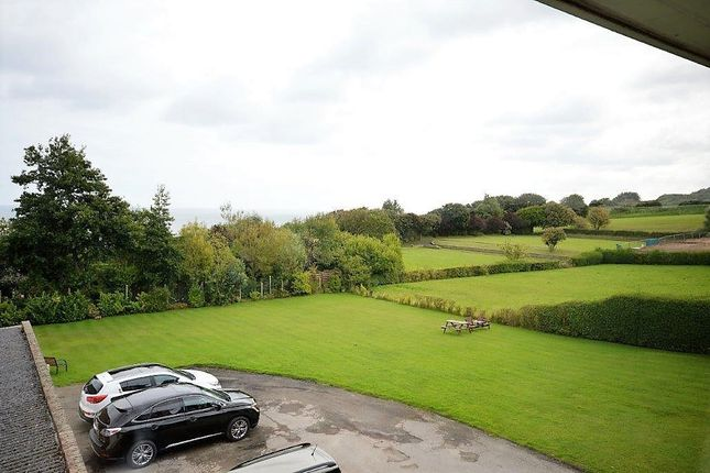 Thumbnail Flat to rent in Holbeck Hill, Scarborough