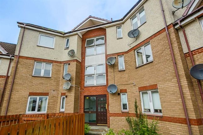 2 bed flat to rent in Goldpark Place, Livingston