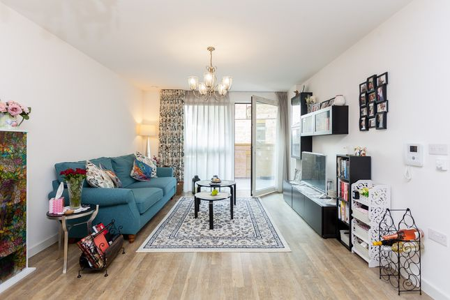 Thumbnail Flat to rent in Greenland Place, Surrey Quays