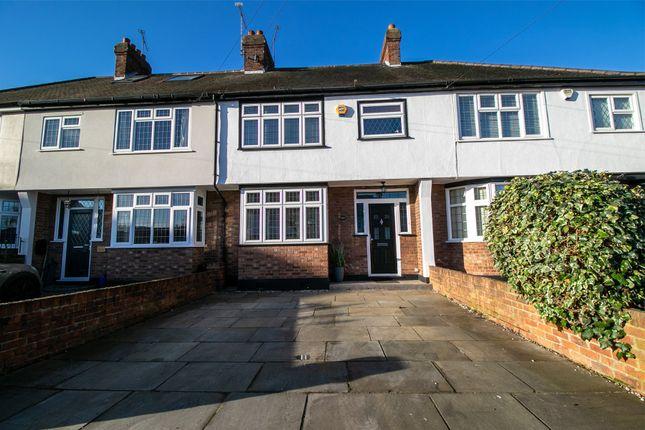 Thumbnail Terraced house for sale in Brackendale Gardens, Upminster