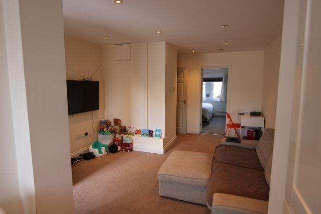 Thumbnail Flat to rent in Bullfields, Snodland, Kent