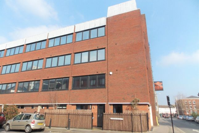 Thumbnail Flat to rent in Birchett Road, Aldershot