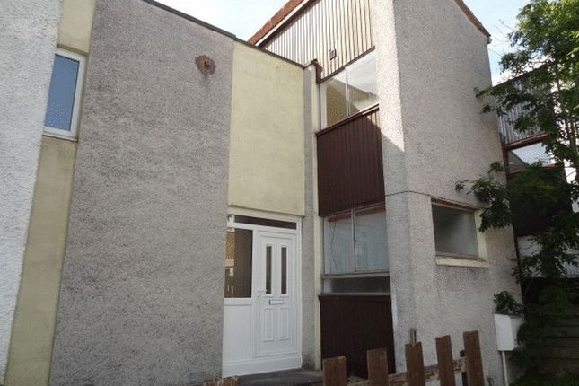 Thumbnail Terraced house to rent in Colliston Avenue, Glenrothes, Fife