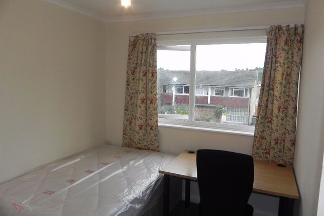 Thumbnail Semi-detached house to rent in Guildford Park Avenue, Guildford, Surrey