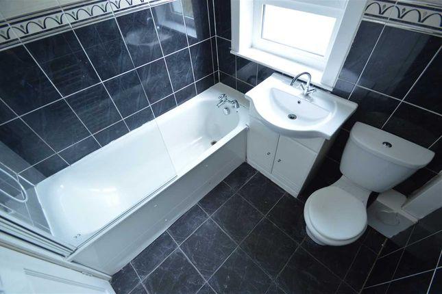 Family Bathroom of Milton Street, Hamilton ML3