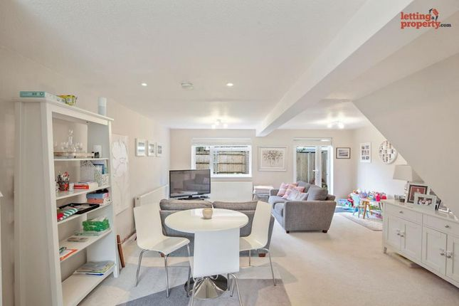 3 bed end terrace house to rent in Nettlestead Close, Beckenham BR3