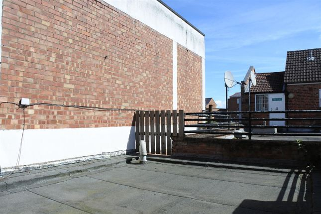 Thumbnail Flat for sale in High Street, Grantham