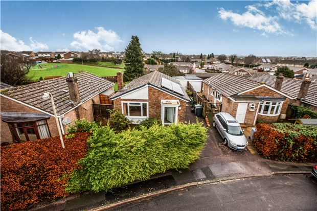 Thumbnail Detached bungalow for sale in Quarry Road, Witney, Oxfordshire