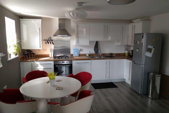 Thumbnail Flat to rent in Cloatley Crescent, Royal Wootton Bassett, Swindon