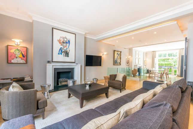 3 bed flat for sale in Dunraven Street, Mayfair