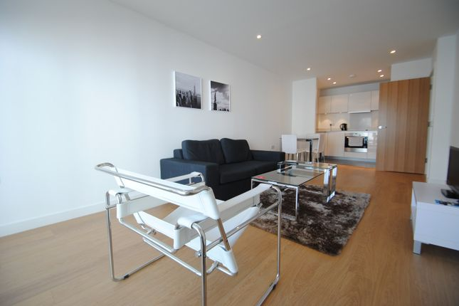Thumbnail Flat to rent in Keats Apartments, Saffron Central Square, Croydon