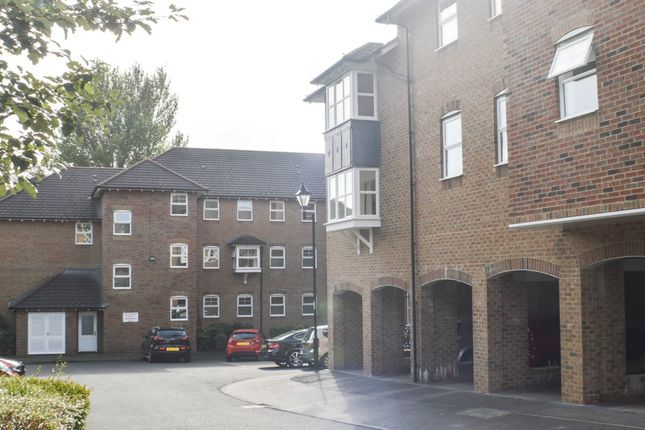 Thumbnail Flat to rent in St Giles Close, Gilesgate