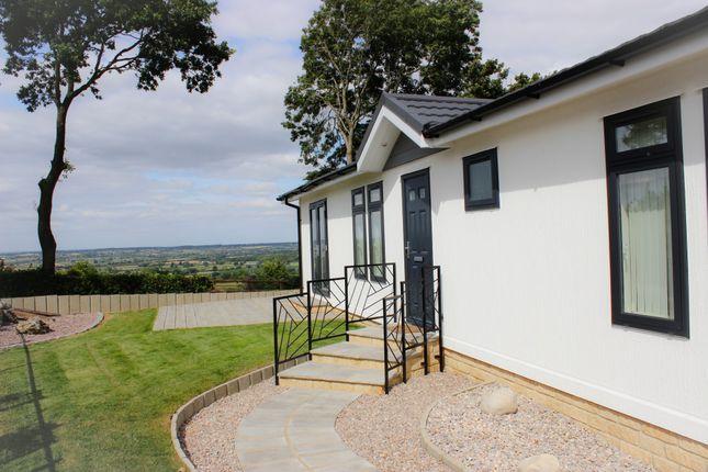 Thumbnail Mobile/park home for sale in Bradenstoke, Chippenham, Wiltshire