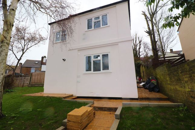 Thumbnail Detached house to rent in Luton Road, Chatham