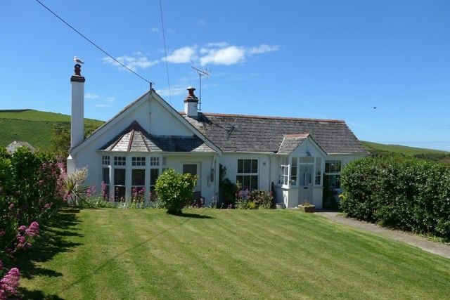 Thumbnail Bungalow for sale in New Road, Port Isaac
