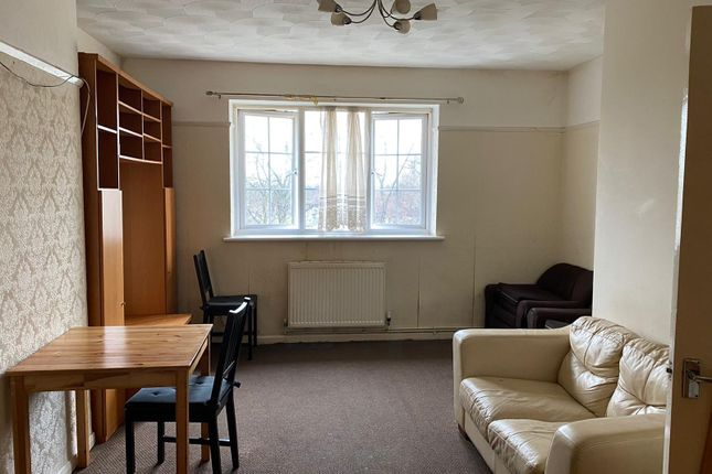 Thumbnail Flat to rent in Lodge Avenue, Dagenham, Essex