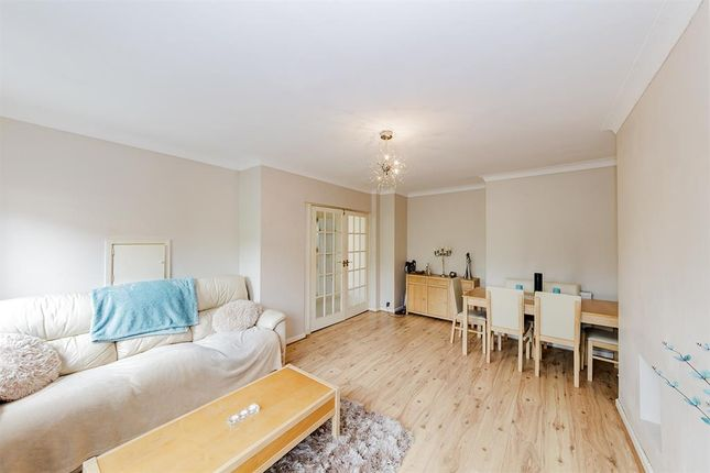 Thumbnail Flat for sale in Brockley Close, Worthing, West Sussex