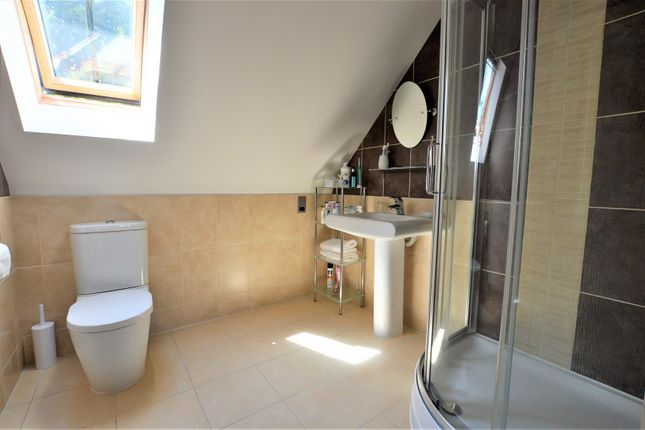 En Suite of Stoney Glen, Carlby, Stamford PE9