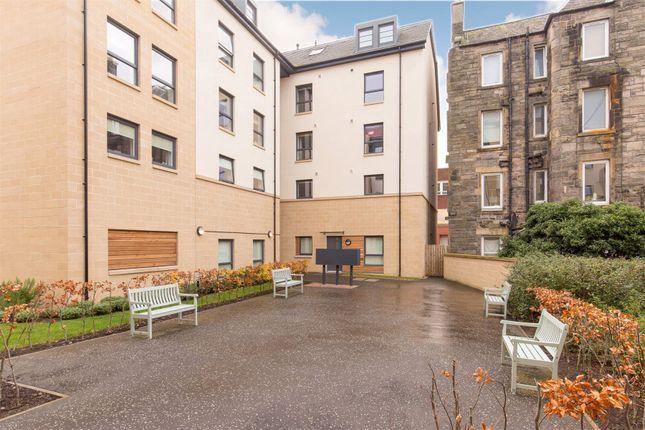 Picture No. 04 of Hatters Lane, Broughton, Edinburgh EH7