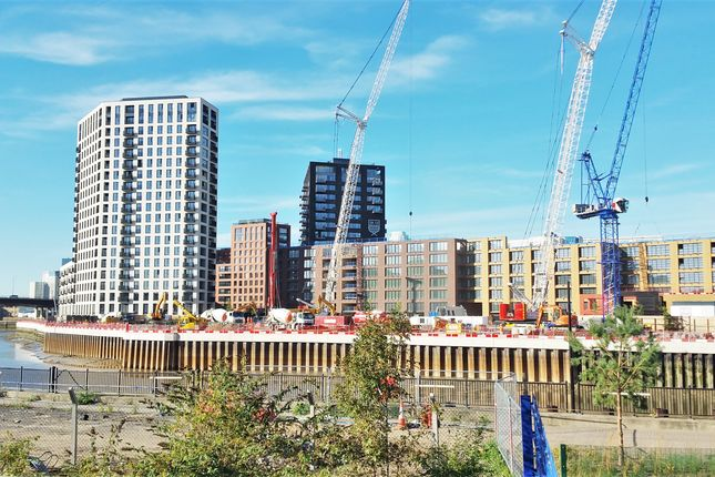 Thumbnail Flat for sale in Montagu Building, City Island, Canary Wharf, London