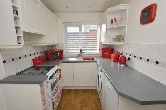 Kitchen of Sidmouth Street, Newland Avenue, Hull HU5