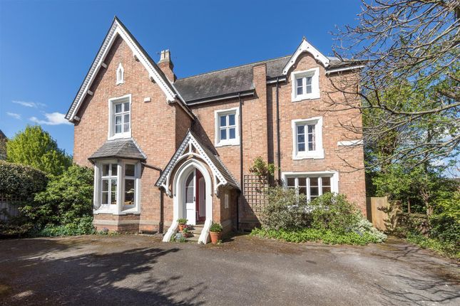 Thumbnail Detached house for sale in Eastnor Grove, Leamington Spa