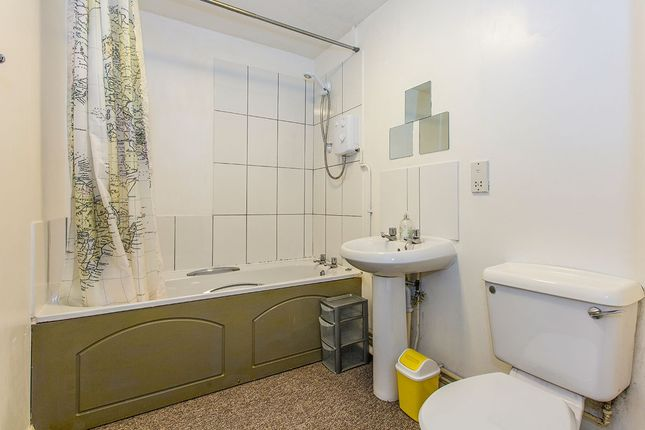 Bathroom of City Court Percy Street, Preston PR1