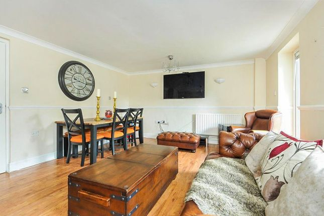 3 bed end terrace house for sale in Butter Hill, Carshalton