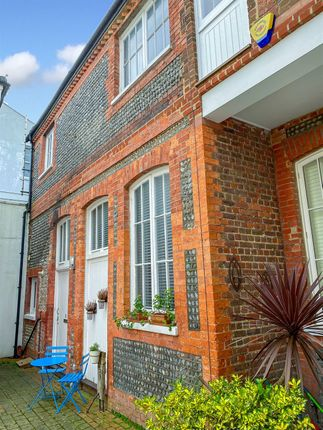 Thumbnail Mews house for sale in Farm Road, Hove