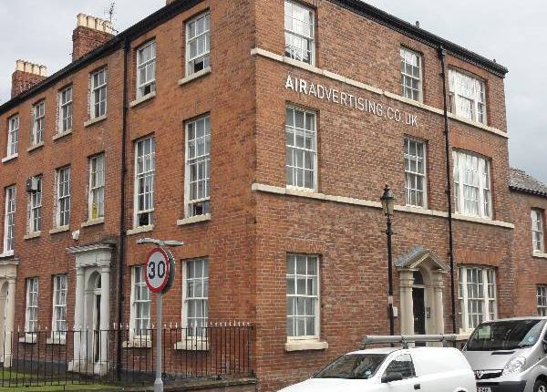 Thumbnail Town house to rent in Hulme Place, Salford