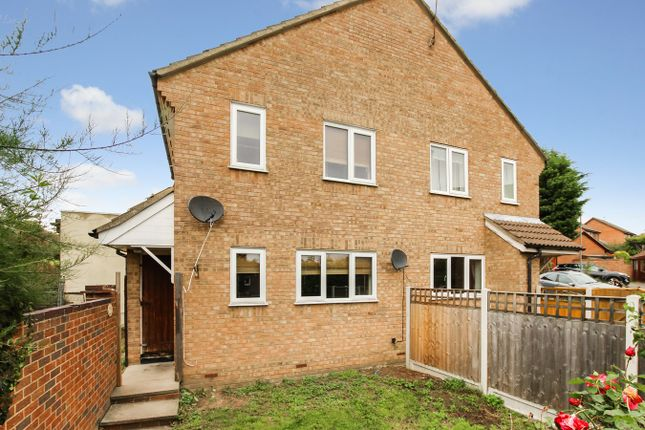 Thumbnail Terraced house for sale in Doeshill Drive, Wickford