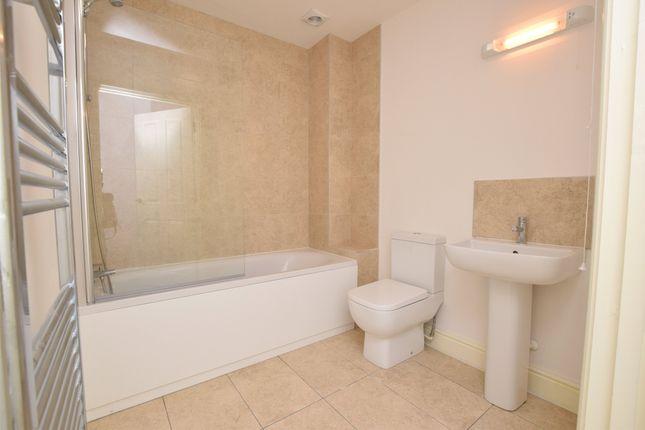 Bathroom of Queens Road, Hastings, East Sussex TN34