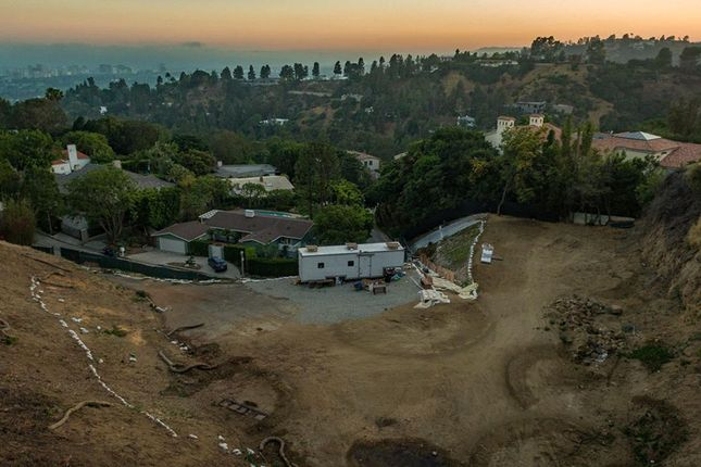 Thumbnail Land for sale in 9435 Lloydcrest Dr, Beverly Hills, Ca, 90210