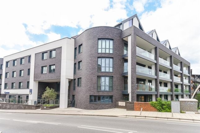 Thumbnail Flat to rent in Broadway Parade, Station Road, West Drayton