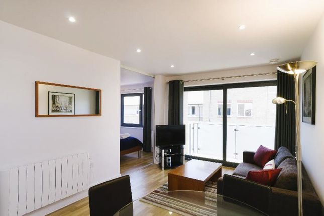 Thumbnail Flat to rent in Occupation Road, Cambridge