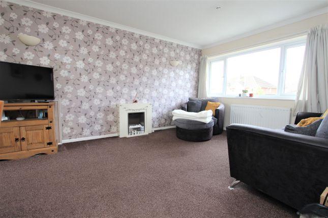 Thumbnail Flat to rent in Chandag Road, Keynsham, Bristol