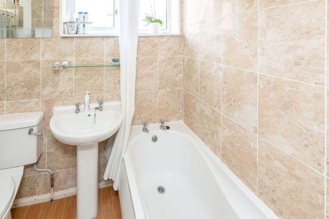 Bathroom of Elizabeth Drive, Tring HP23