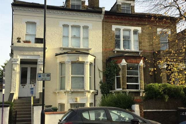 Thea29A of The Avenue, Brondesbury Park, London NW6