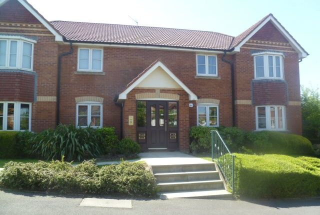 Thumbnail Flat to rent in Holmebrook Drive, Horwich, Bolton