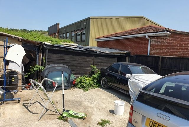 Thumbnail Office to let in 102 Abercromby Avenue, High Wycombe