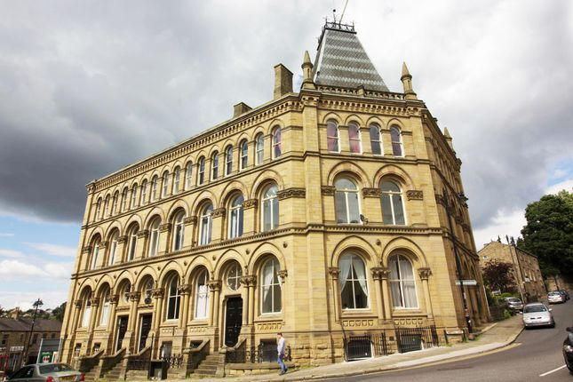 2 bed flat to rent in Apt 10 Station House Station House, Station Road, Batley WF17